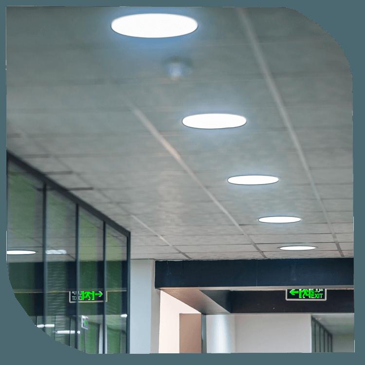 Éclairage intérieur, miroiterie et vitrerie décorative. Entreprise de construction Boukerzaza Algérie Constantine